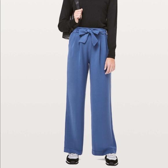 Lululemon Noir Woven True Navy Pants